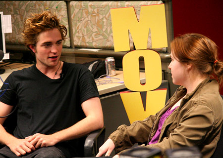Robert Pattinson & MTV Guest Blogger, Laura C. - Photo Courtesy of MTV.com