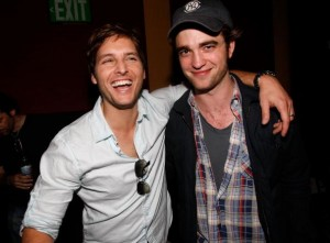 Peter Facinelli & Robert Pattinson - Photo Propety of GettyImages